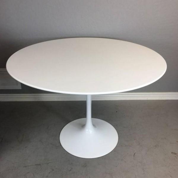 knoll table tulipe 107cm les illumin s design. Black Bedroom Furniture Sets. Home Design Ideas