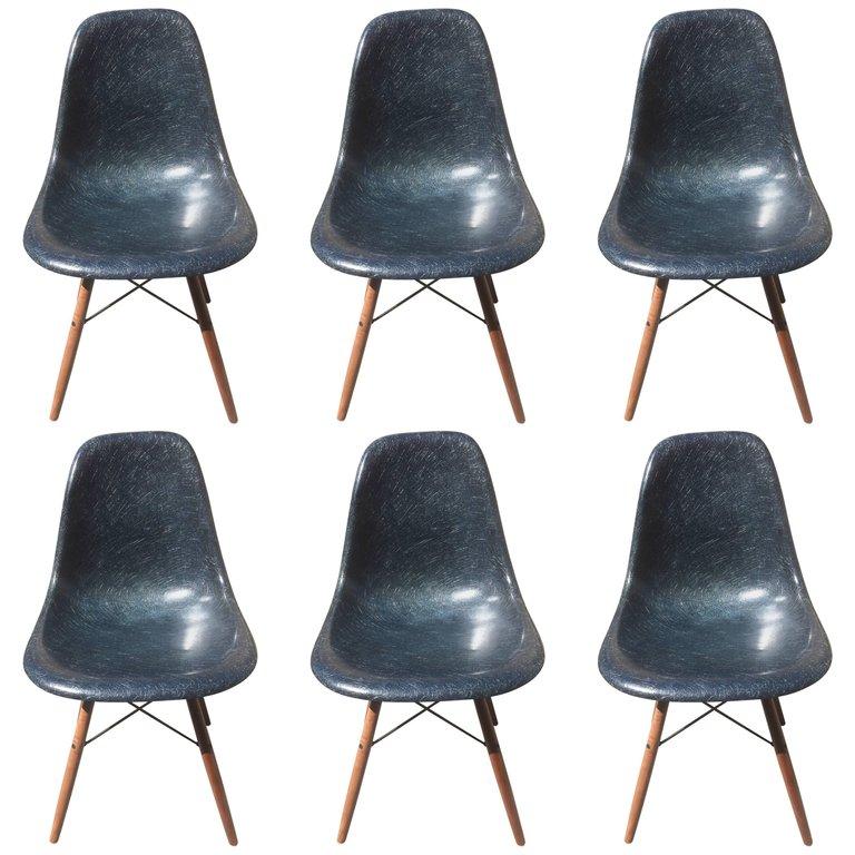 Eames Série de 6 chaise bleues marines