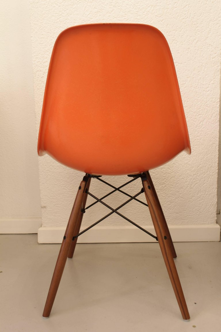 Eames Série de 6 chaises orange